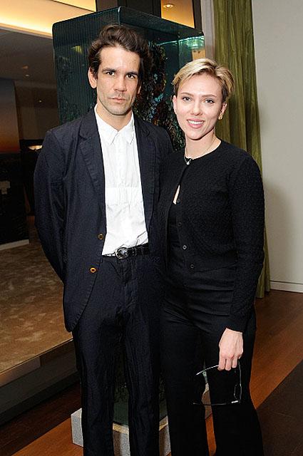 Скарлетт Йоханссон и Роман Дориак вышли в свет спустя 2 месяца после разрыва. Фото