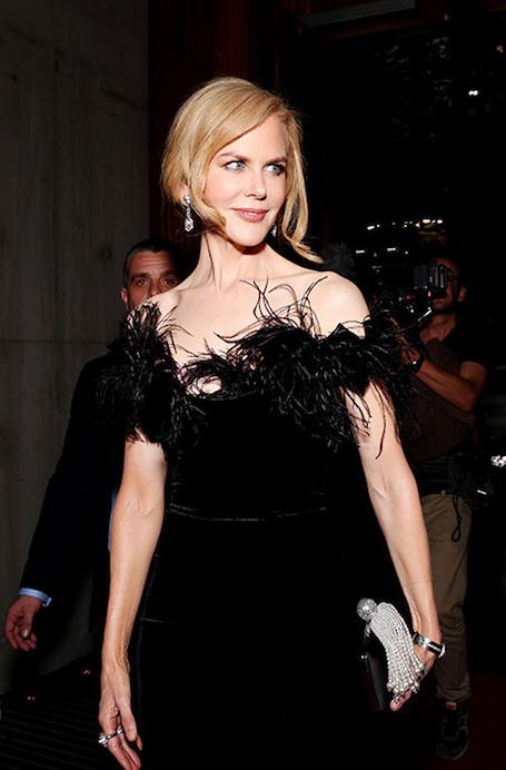 Николь Кидман в шикарном платье Marchesa посетила Мельбурн. Фото