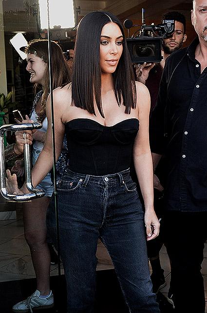 Ким Кардашьян с новой стрижкой похожа на египетскую царицу Клеопатру! Фото