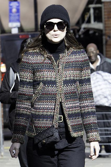 Кира Найтли показала, как она выглядит без макияжа на утренней прогулке. Фото