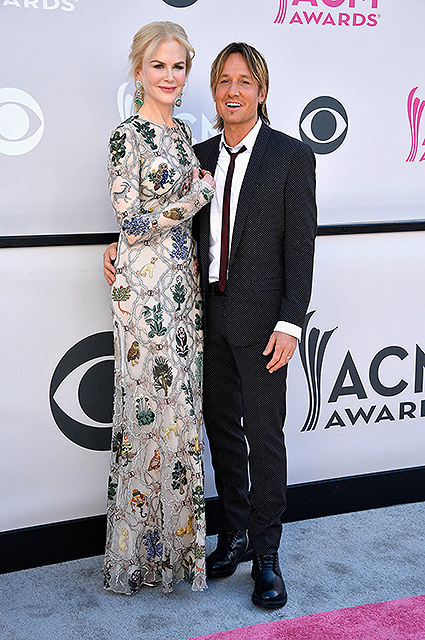 Николь Кидман затмила всех на церемонии наград в Лас-Вегасе! Фото