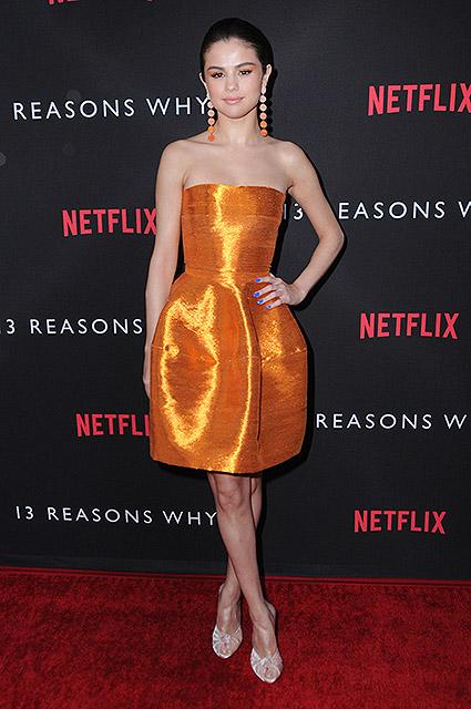Селена Гомес в уникальном платье Oscar de la Renta посетила премьеру фильма. Фото