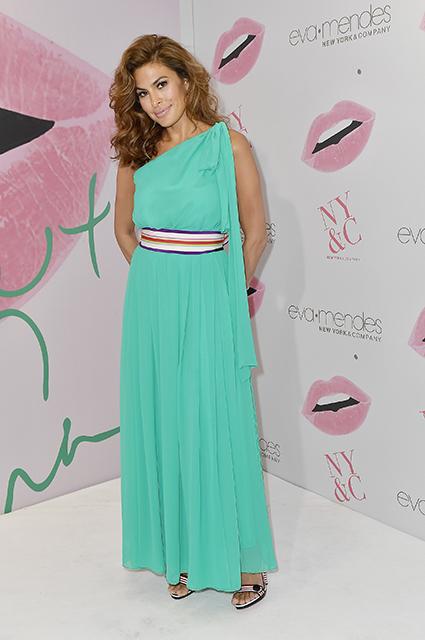 Актриса Ева Мендес впервые вышла в свет за последние полгода! Фото