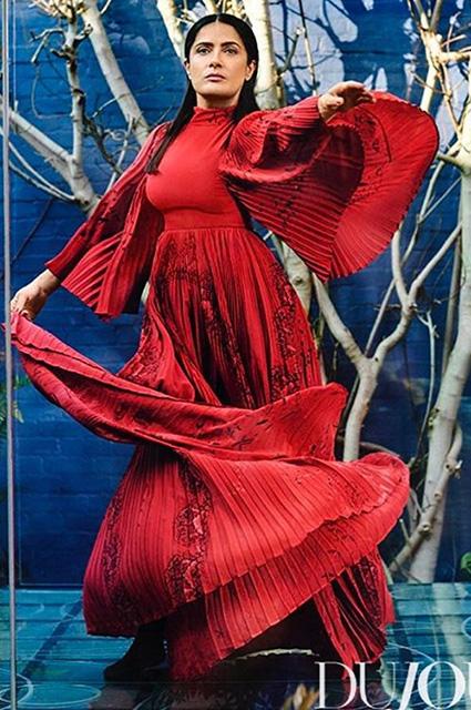 50-летняя Сальма Хайек сумасшедше прекрасна в облике гейши для глянца Dujour. Фото