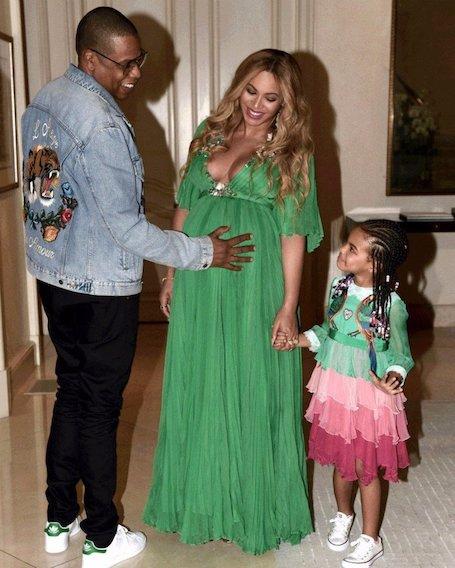 Бейонсе одела дочь Блу Айви в шикарное платье за 26 000 долларов! Фото