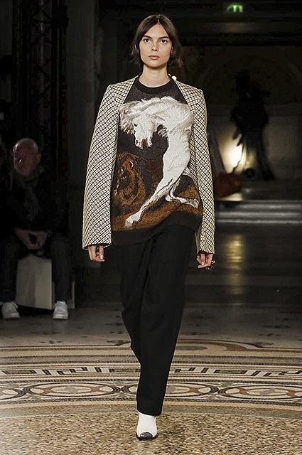 Неделя моды в Париже: английский стиль и тартан от Stella McCartney. Фото