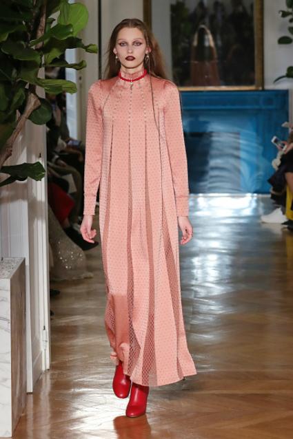 Неделя моды в Париже: изысканная нежность от Valentino. Фото