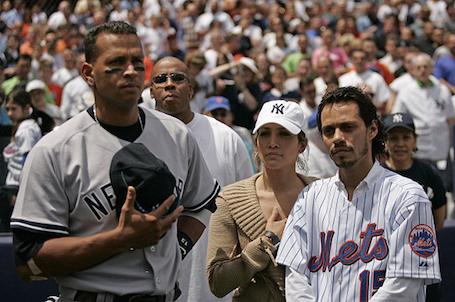 Дженнифер Лопес позабыла о Дрейке в объятьях 41-летнего бейсболиста! Фото