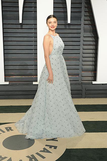 Как принцесса: Миранда Керр очаровала изысканным платьем Miu Miu. Фото