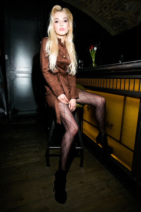 Красотки из ВИА Гра в дерзких нарядах показали класс на вечеринке Макса Барских. Фото