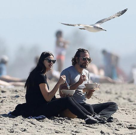 Бредли Купер устроил беременной Ирине Шейк романтический пикник! Фото