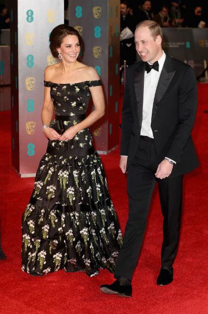 Кейт Миддлтон в платье Alexander McQueen легко затмила кинозвезд своей красотой. Фото