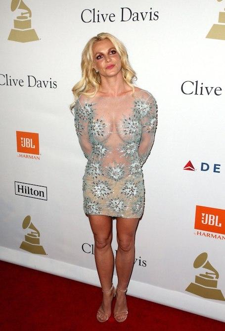 Даже грамотный макияж не помогает Бритни Спирс скрыть признаки увядания! Фото