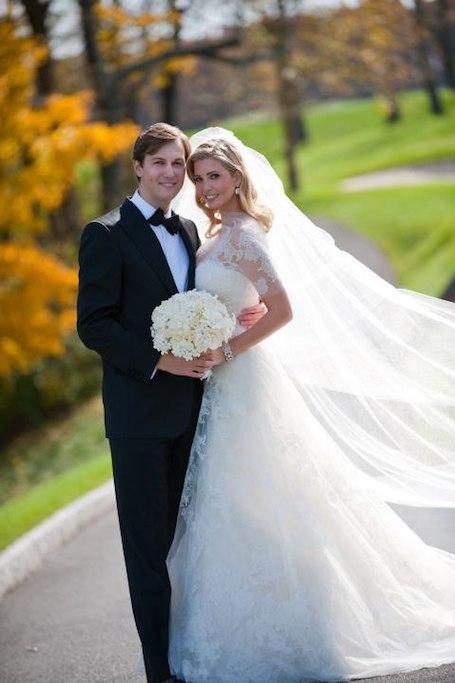 30 лучших свадебных платьев по версии глянца Marie Claire. Фото