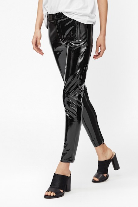 Виниловые брюки - новый хит будущей весны 2017. Фото