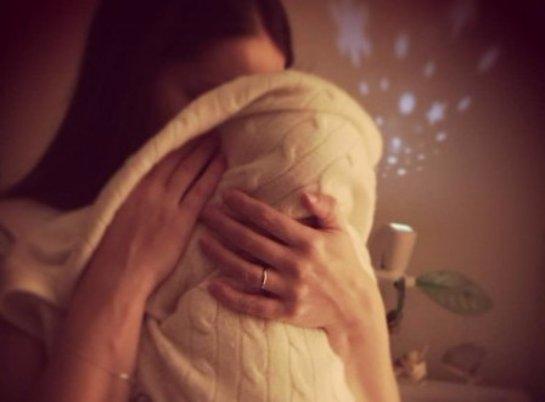 Марина Александрова впервые показала новорожденную дочь