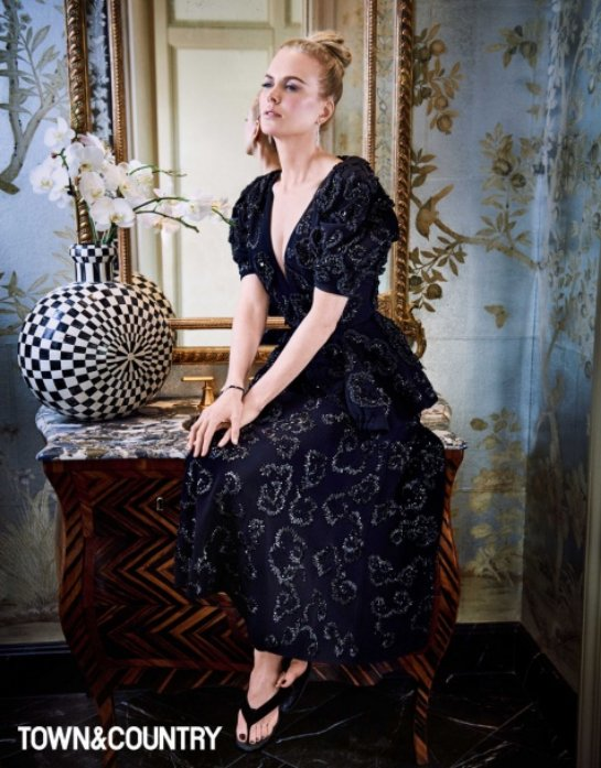 Неувядающая Николь Кидман в новой фотосессии для Town and Country