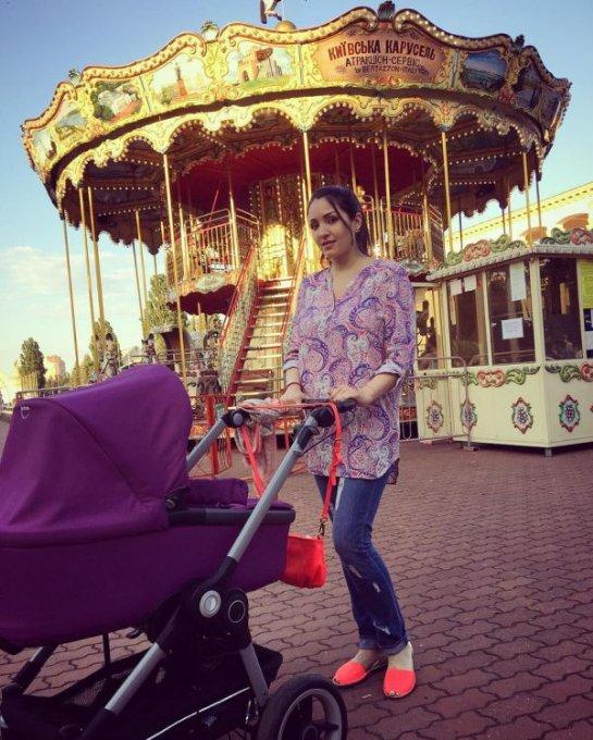 Ангелина Завальская назвала имя новорожденной дочери