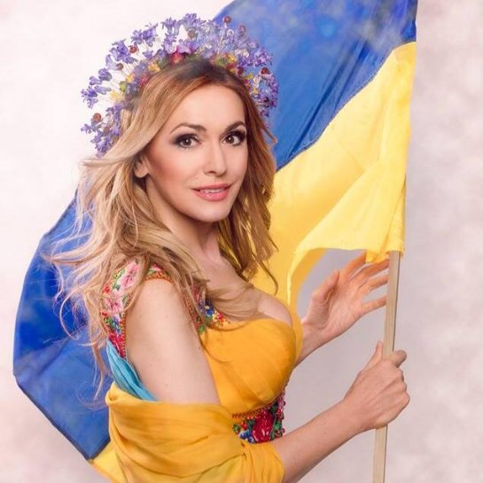 Ольга Сумская призывает украинских девушек выходить замуж за украинских парней