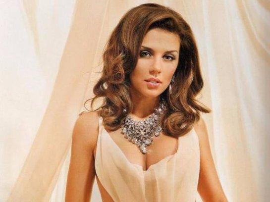 Певица Анна Седокова объявила конкурс на исполнение своей песни
