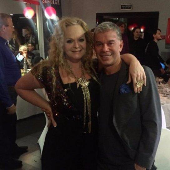Олег Газманов опубликовал фото с Ларисой Долиной
