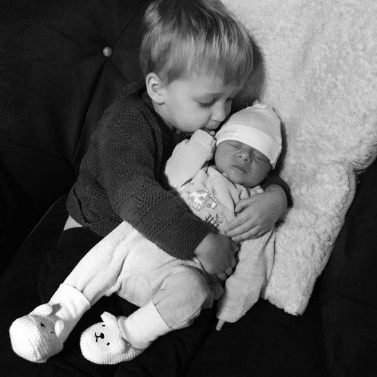 Старшая дочь Снежаны Егоровой показала второго сына, которого она родила в конце прошлого месяца