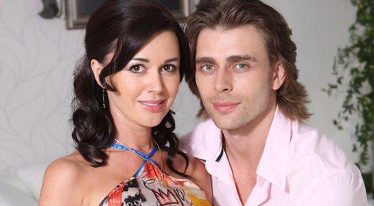 Анастасия Заворотнюк уверена, что частые разлуки с мужем укрепляют  их брак