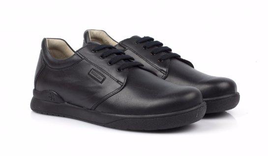 Школьная обувь для мальчиков. Какая она должна быть?