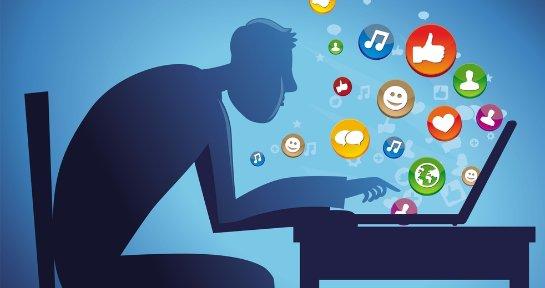 Как правильно общаться с девушкой в социальных сетях?