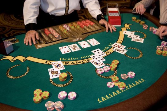 Блэкджек онлайн: любые разновидности карточной игры в интернете