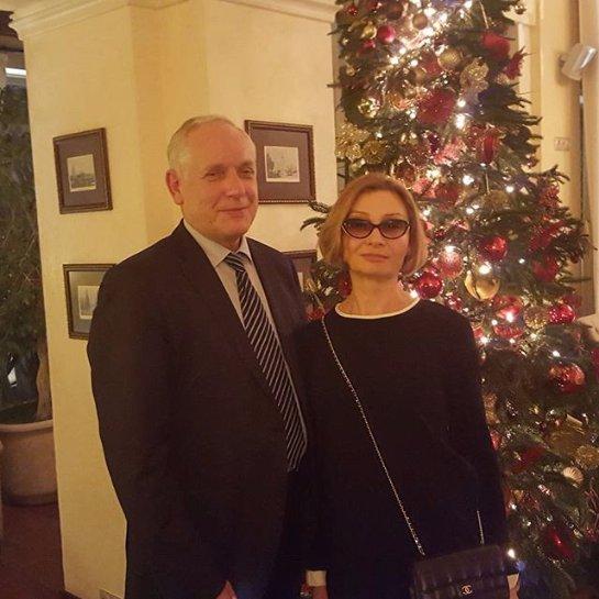 Катя Осадчая показала своих родителей