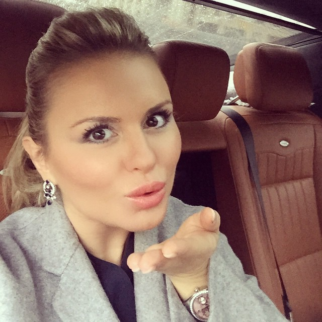 Анна Семенович стала бабушкой