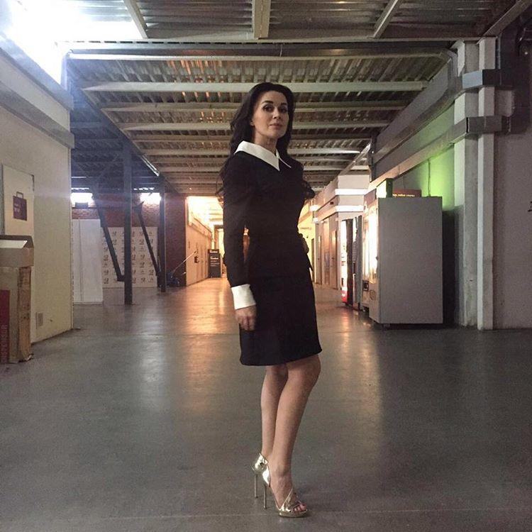 Анастасия Заворотнюк порадовала скромным нарядом
