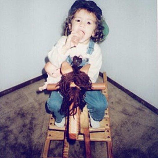 Селена Гомес показала детское фото
