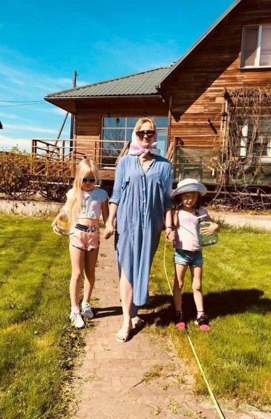 Дочь Владимира Машкова привезла детей из США в гости к бабушке