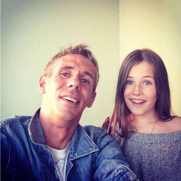 Лишенный водительских прав Панин посадил 10-летнюю дочь за руль
