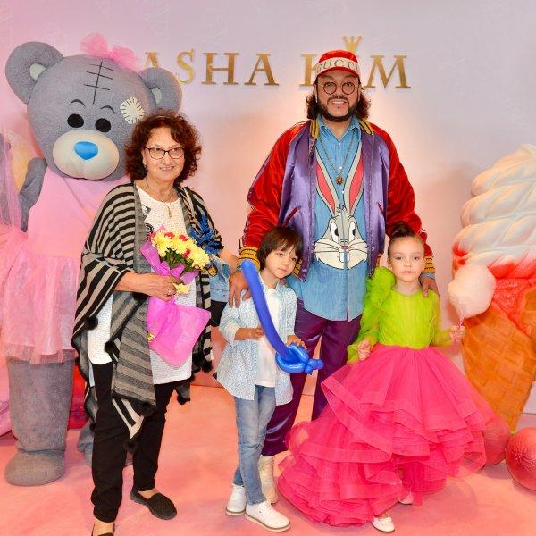 Дочь Филиппа Киркорова открыла детский показ моды в Москве