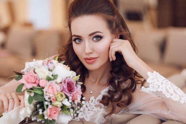 «В Лапино как дома уже»: Тарасов отвез беременную жену в VIP-роддом