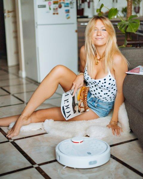 Леся Никитюк взбудоражила поклонников фигурой в ультракоротких шортах
