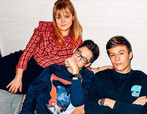 Дети Анны Михалковой поддержали мать на «Кинотавре»