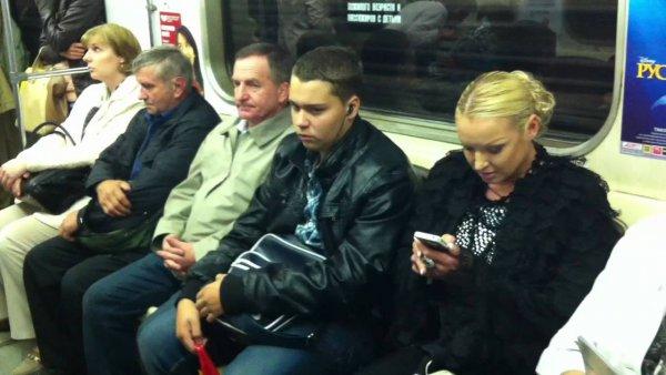 «Жигуль», метро и «Майбах»: На чём ездит скандальная Анастасия Волочкова