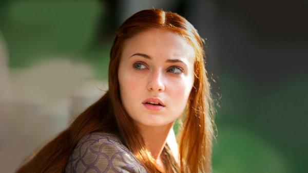 Звезда «Игры престолов» Софи Тернер ошеломила внешним видом в Сиднее