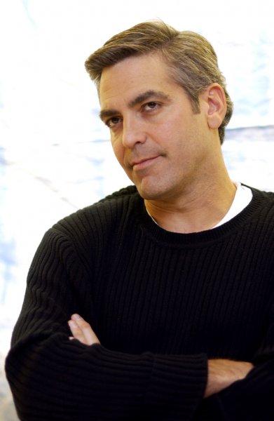 Клуни рассказал о танцах с Меган Маркл: «Да не было такого!»