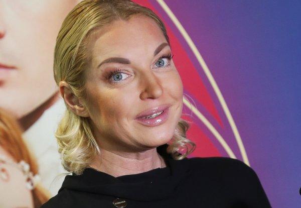Волочкова всплакнула на свадьбе Леры Кудрявцевой