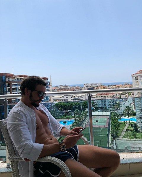 Экс-участника «Дом-2» Антона Гусева сравнивают с алкоголиком  из-за бороды