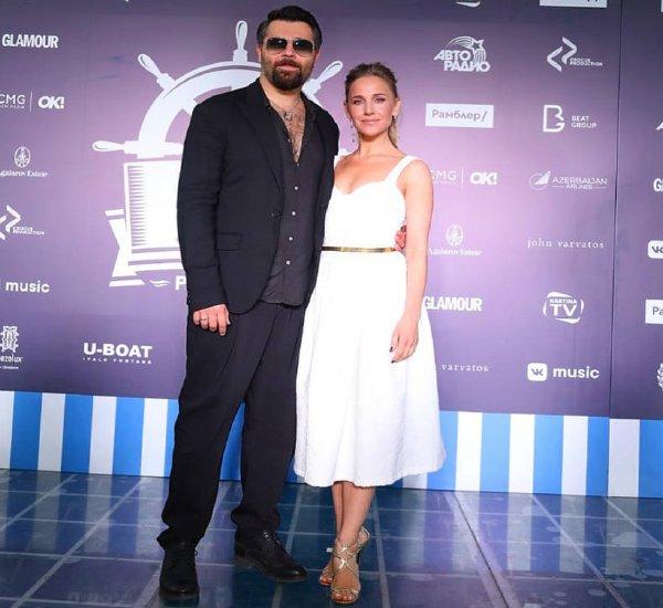 Реабилитировались в глазах поклонников: Юлия Ковальчук и Алексей Чумаков исправили ошибки в стиле