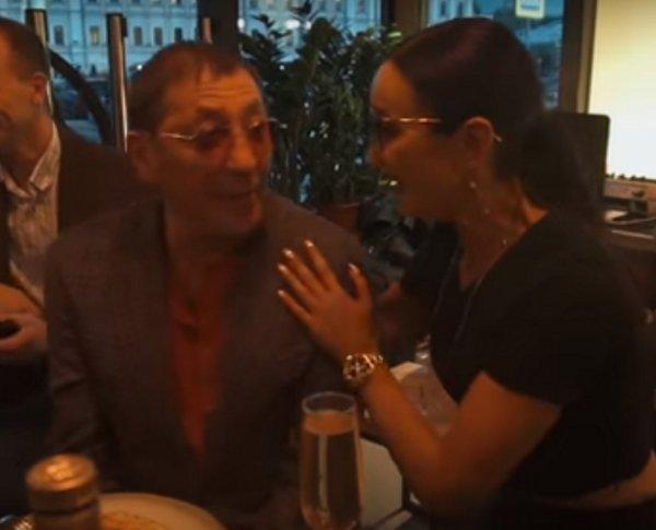 «Хорошая растяжка рта»: Лепс неоднозначно похвалил Бузову