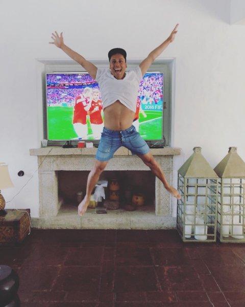 Максим Галкин подпрыгнул до потолка от радости за сборную России по футболу