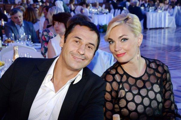 Жену Костюшкина обвинили в распаде группы «Чай вдвоем»