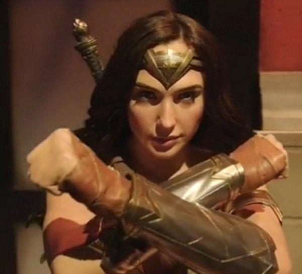 «Скудно и скучно!»: Образ Галь Гадот для «Чудо-женщины-2» не понравился поклонникам